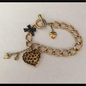 BETSY JOHNSON Gold Leopard Charm Bracelet